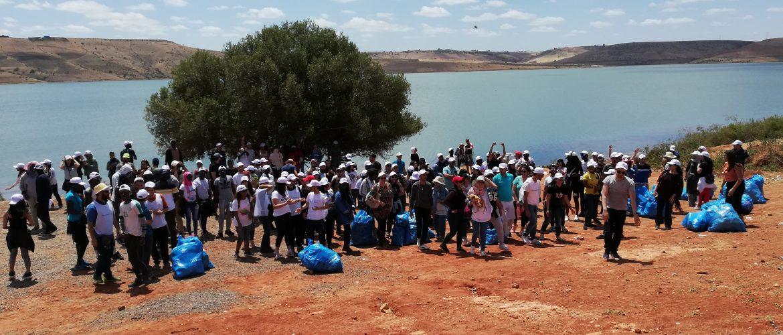 Salariés de Majorel devant le Barrage Oued El Malleh